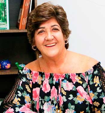 Prof. Dra. Marinês Saraiva